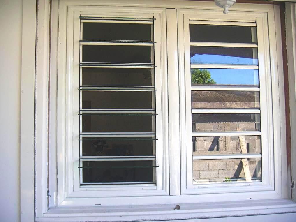 Fenêtre avec Jalousie Encastrée Française